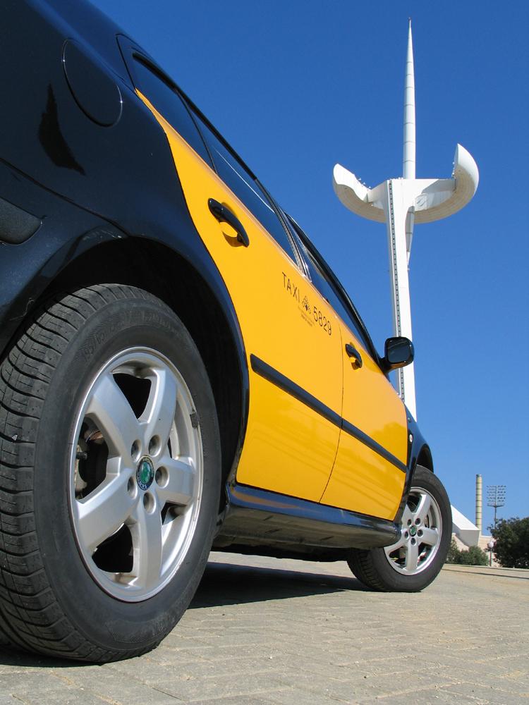 taxi torre elèctrica montjuic